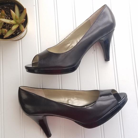 6adf64a3576 Bandolino Black Peep Toe Heels Sz 9.5 Platform NWT